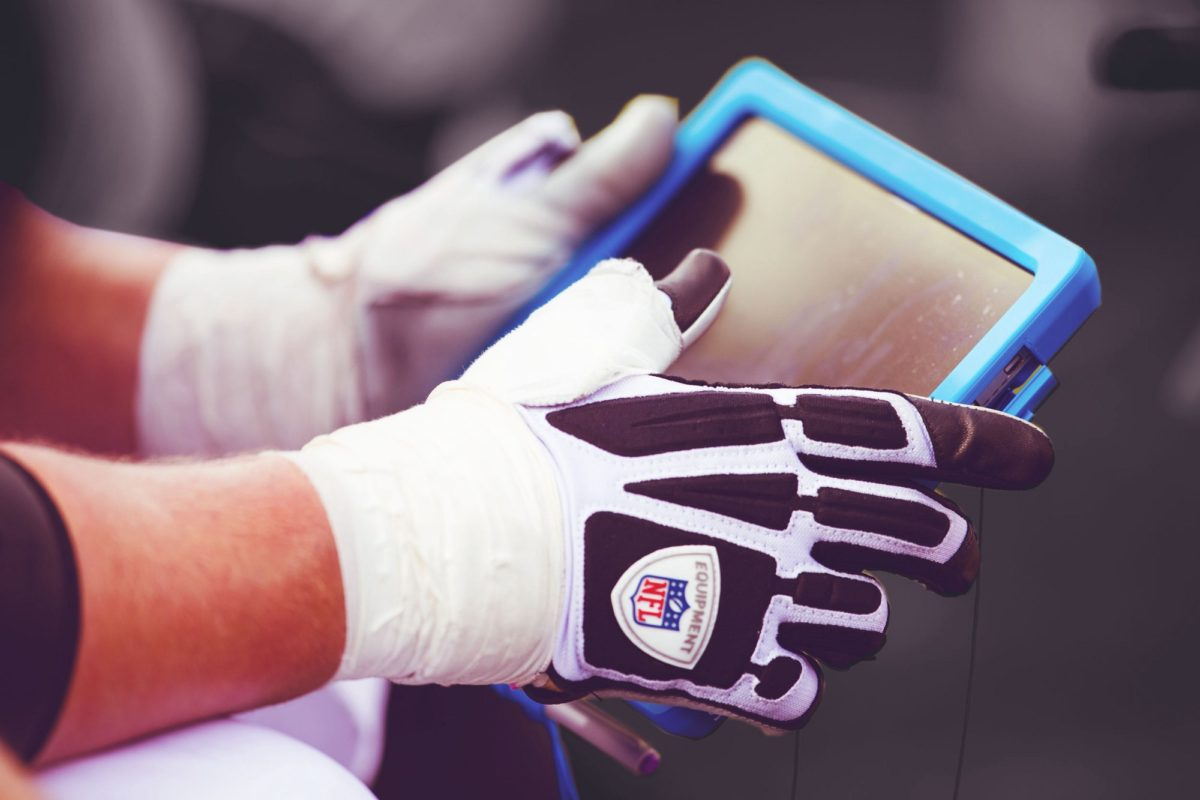 Why Part of the NFL Is Terrified of Tablets